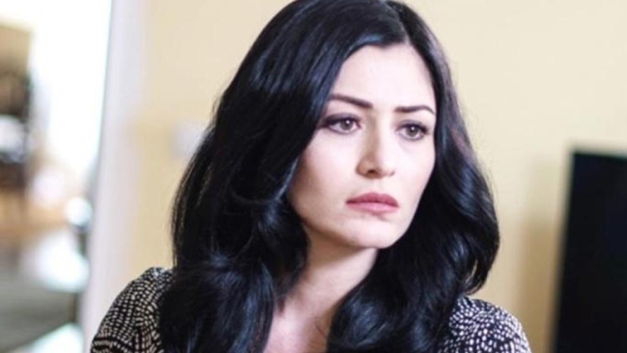 Deniz Çakır AVMde başörtülü kadınları taciz etti