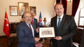 Başkan Gümrükçüoğlu, AK Parti Genel Başkan Yardımcısı Karaca'yı ağırladı