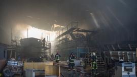 GÜNCELLEME 2 - Antalya'da yat imalat deposunda yangın