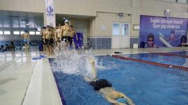 Bağcılar'daki yüzme havuzlarına ilgi