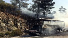 Seyir halindeki yolcu otobüsünde yangın