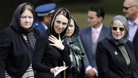 Binlerce Yeni Zelandalı terör kurbanları için toplandı