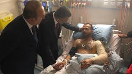 Türk heyeti Yeni Zelanda'da yaralıları ziyaret etti