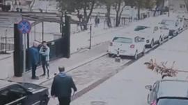 Öğrenci ile ailesi okul basıp terör estirdi
