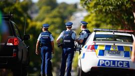 Yeni Zelanda alarmda, polis kimseyi yaklaştırmıyor