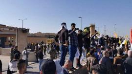ABD'nin Irak Büyükelçiliği işgal edildi