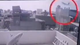 Pakistan'daki uçağın düşme anı kamerada