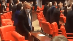 CHP'li vekiller Meclis sıralarına zarar verdi