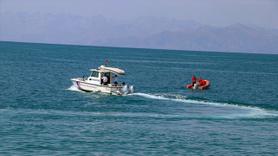 Kayıp tekne bulundu, İçinde onlarca göçmen var!