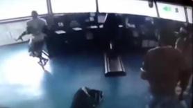 Korsanların gemiye saldırı anı kamerada