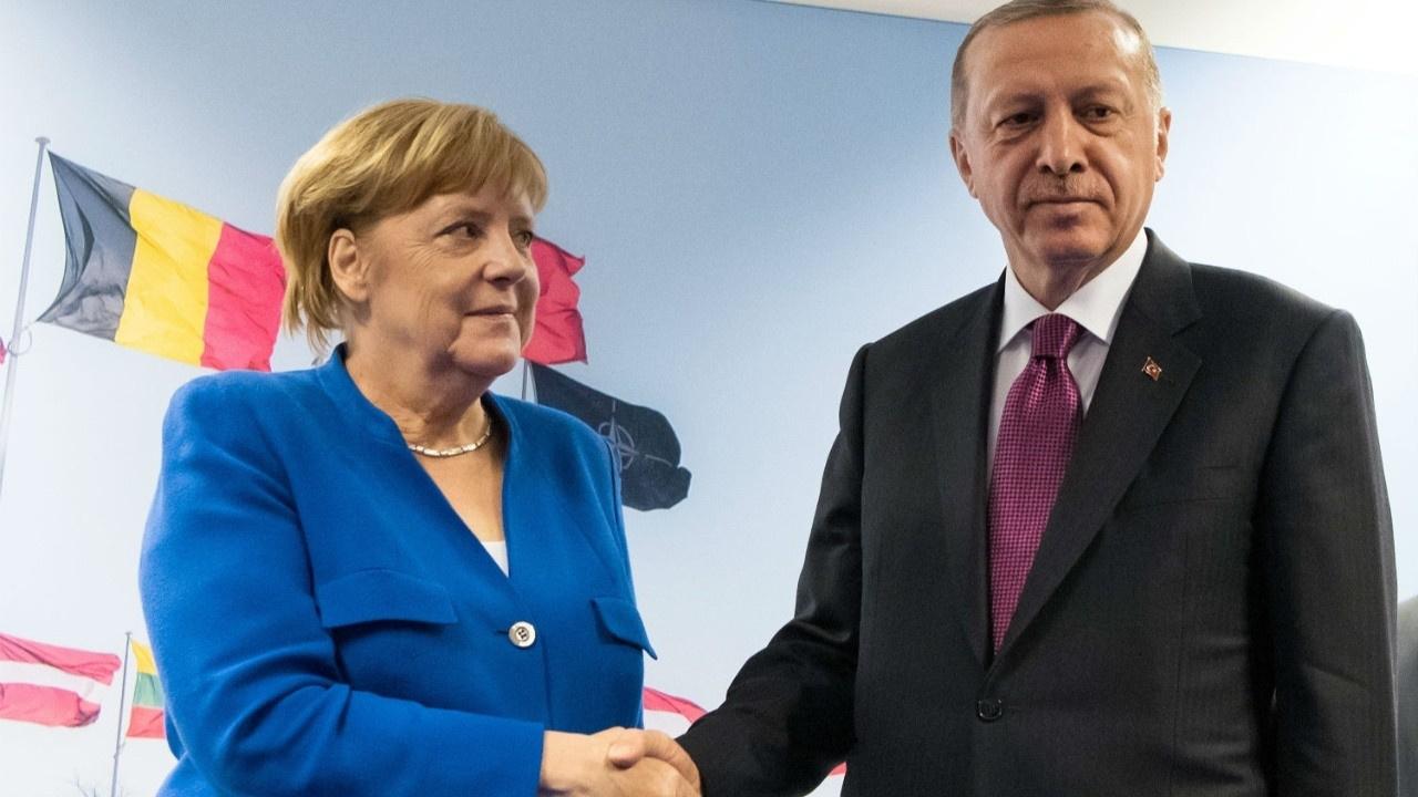 'Merkel, Libya konusunda Erdoğan'a boyun eğdi'