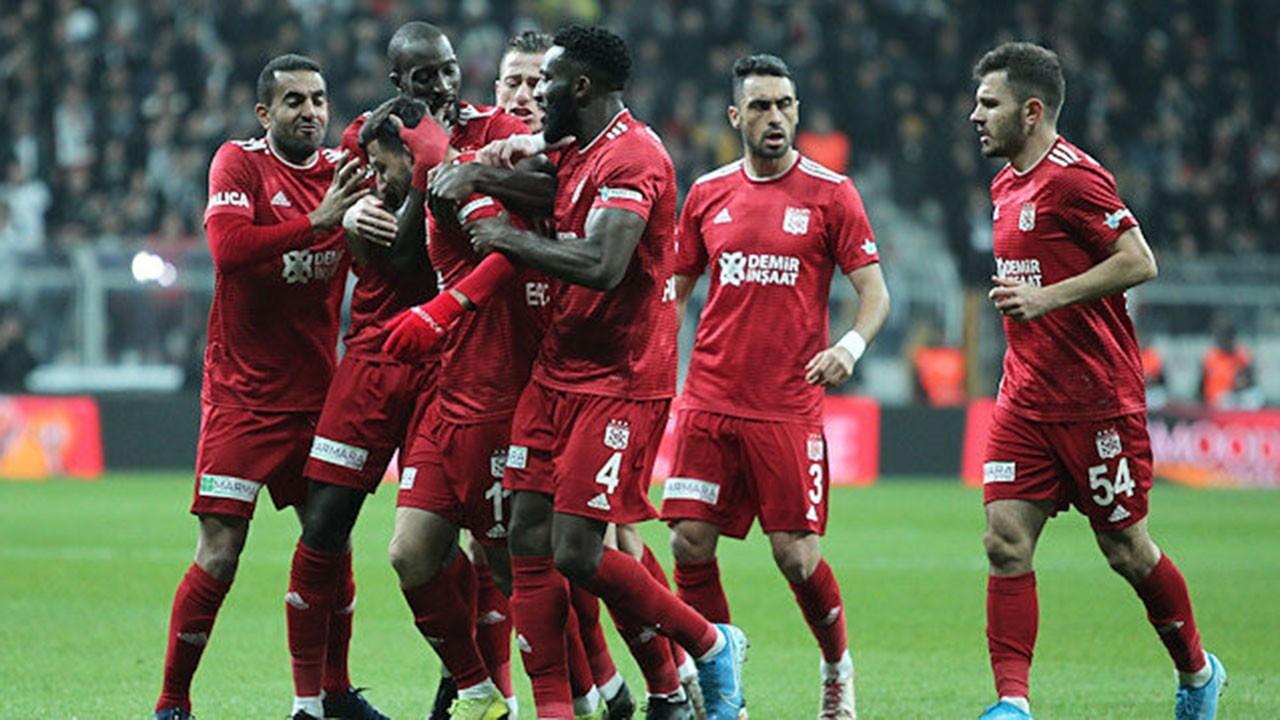 Sivasspor, Beşiktaş'ı evinde yendi