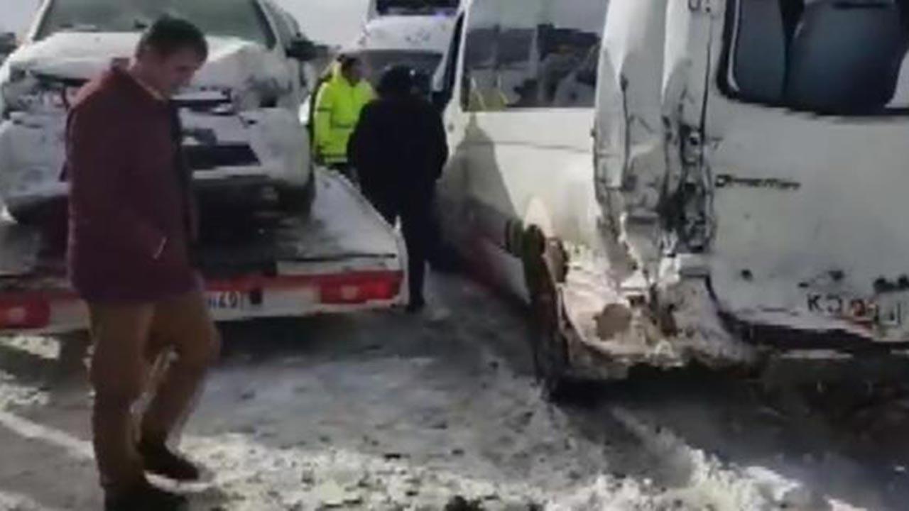 Bolu-Karabük arasında kaza, yol kilitlendi