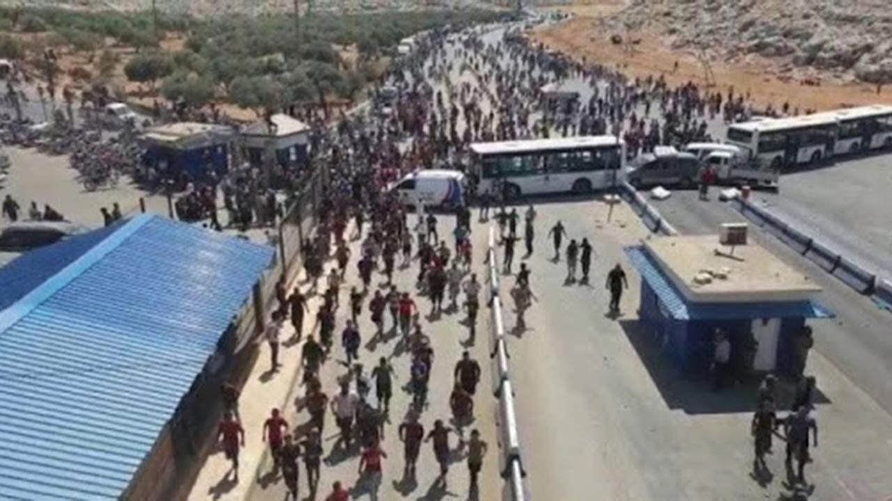 400 bin Suriyeli Türkiye'den ülkelerine döndü