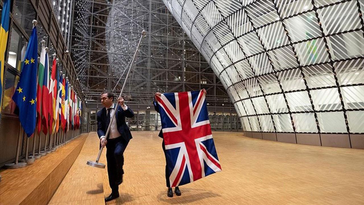 İngiliz bayrakları AB kurumlarından indirildi