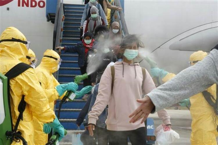 Uçaktan inen yolcular neye uğradığını şaşırdı! - Sayfa 1