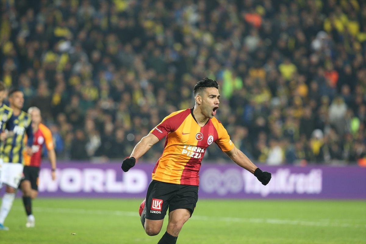 Fenerbahçe  - Galatasaray derbisinden kareler - Sayfa 2