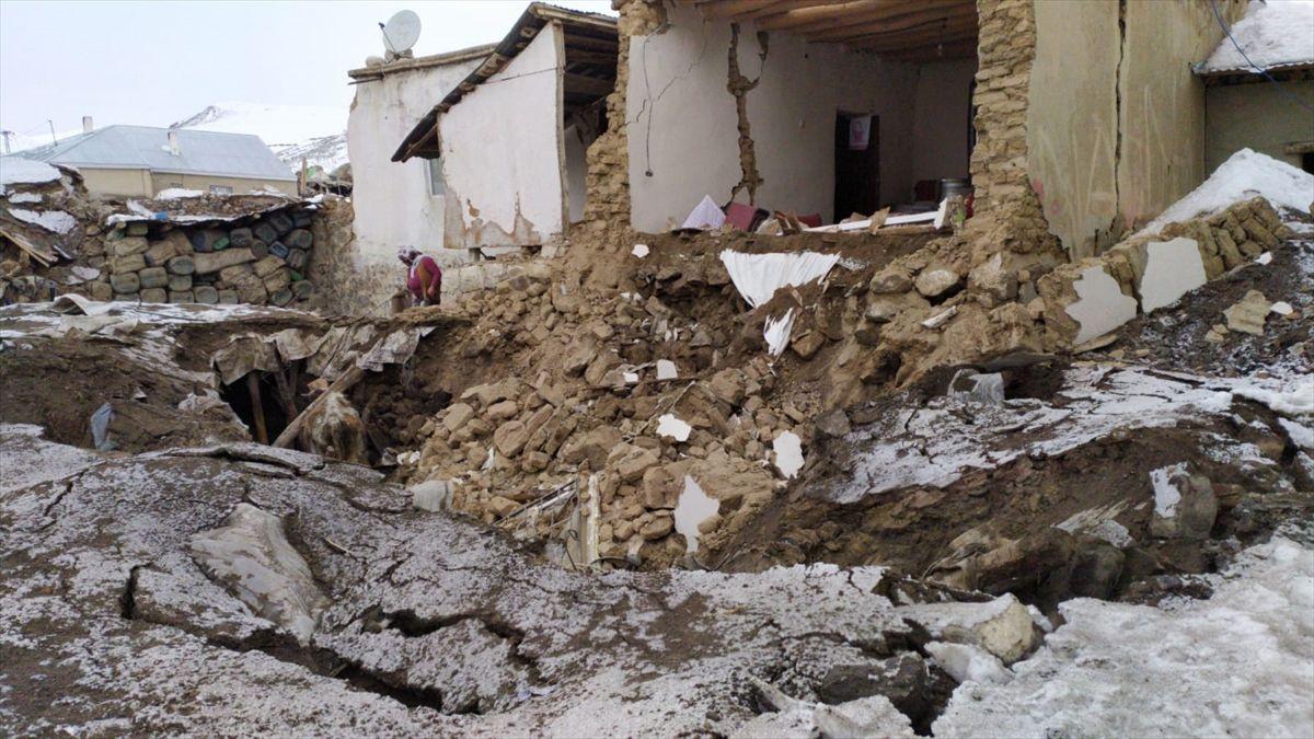 Van'da yıkılan köylerden ilk görüntüler - Sayfa 4