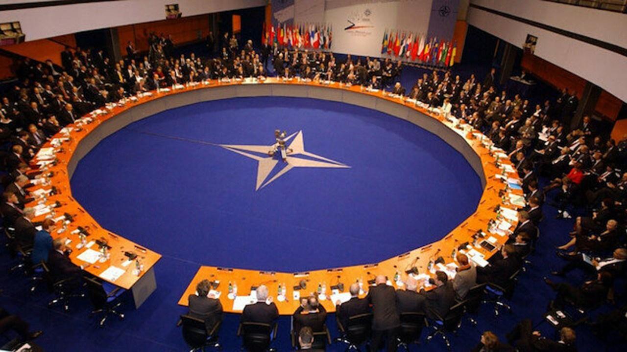 Ukrayna, Rusya'ya karşı NATO'dan yardım istedi