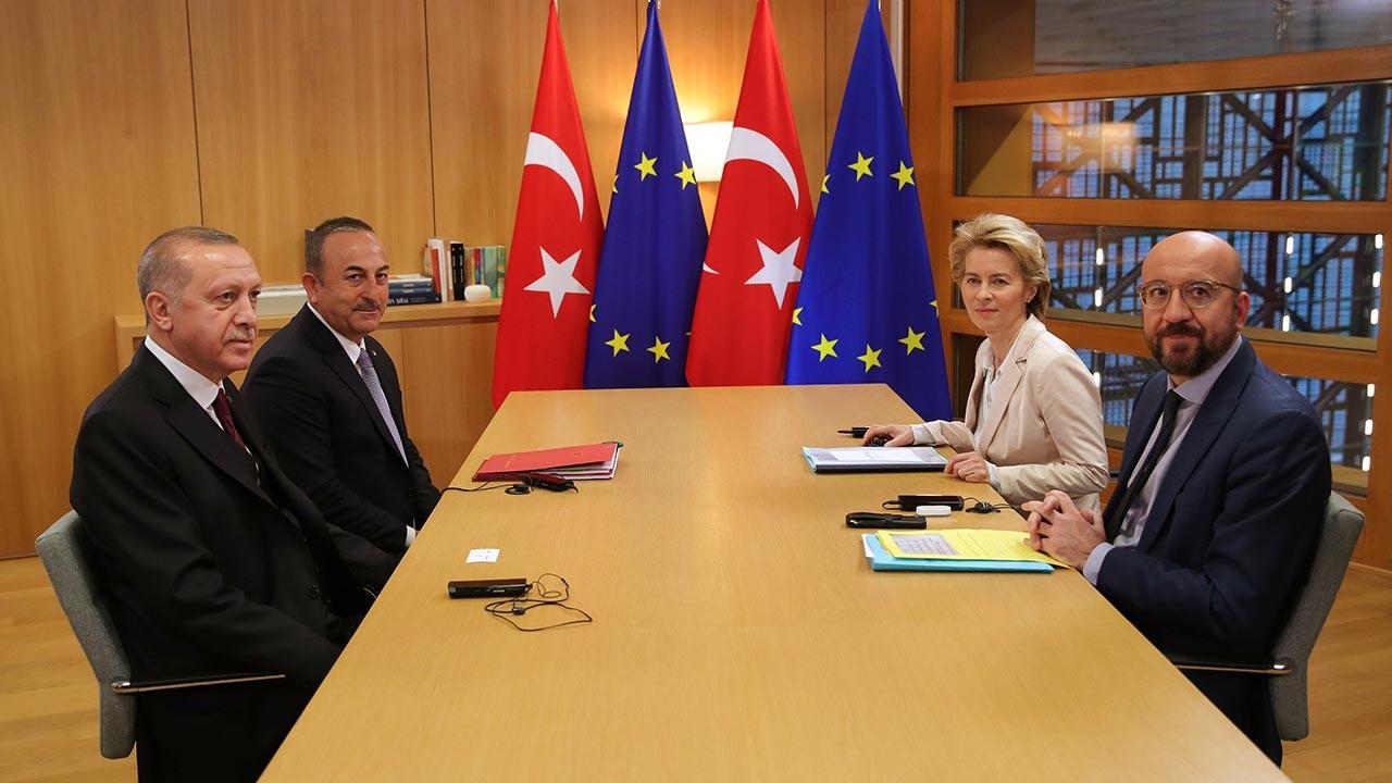 Toplantı gergin geçti, Erdoğan masayı terk etti