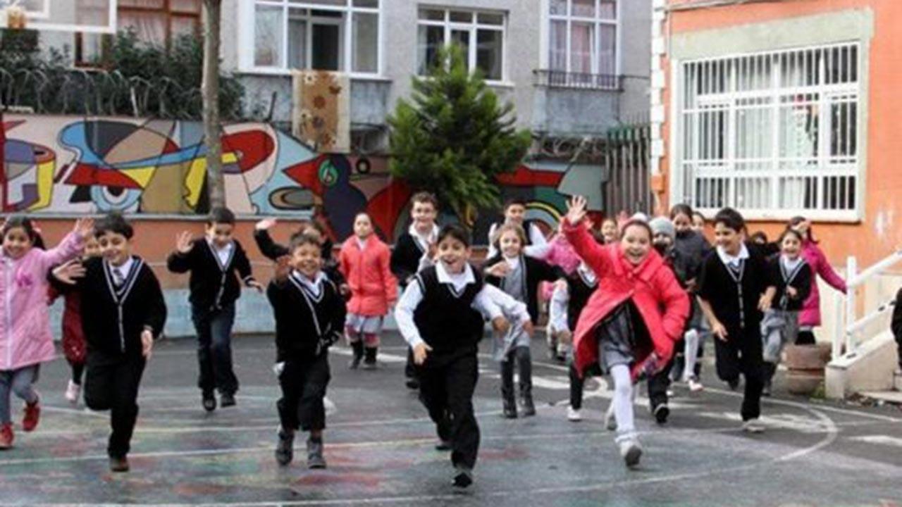 İstanbul'da yarın 13 Mart 2020 okullar tatil mi?