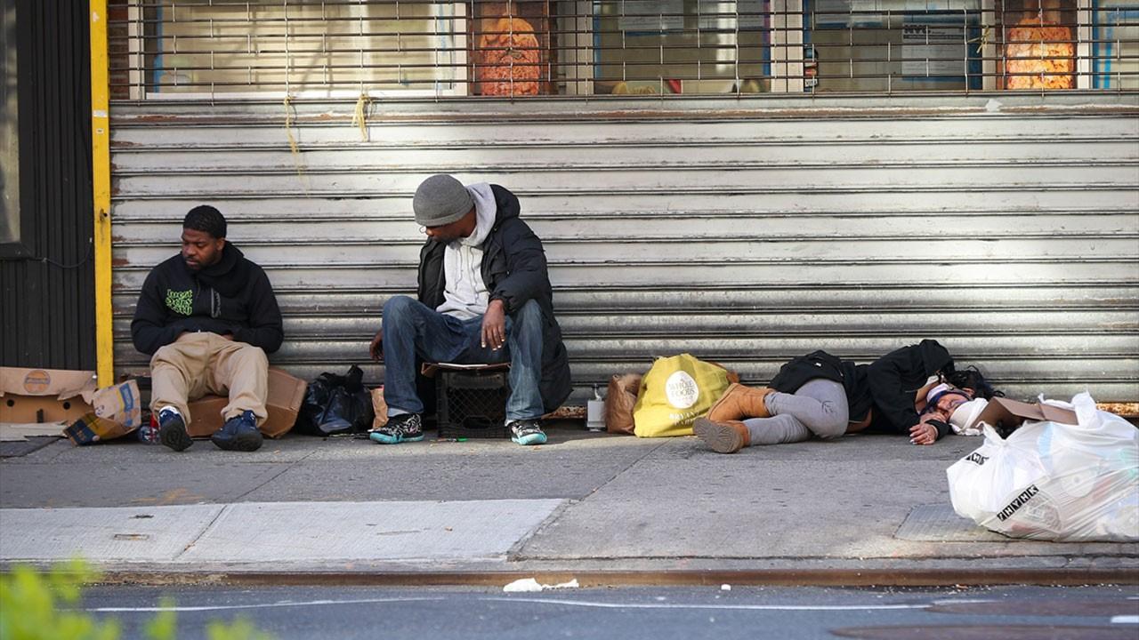 Sokaklardaki 70 bin evsiz virüs tehlikesi altında