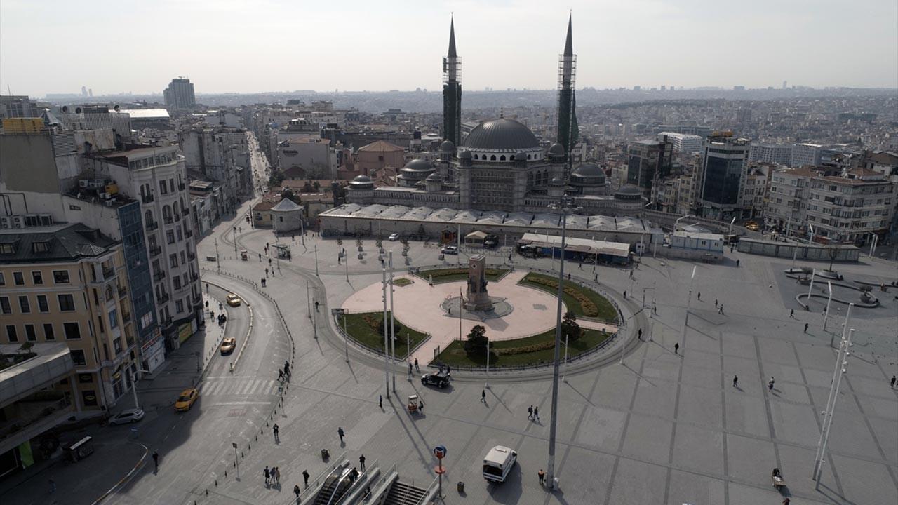 İstanbul'un sessizliği havadan görüntülendi