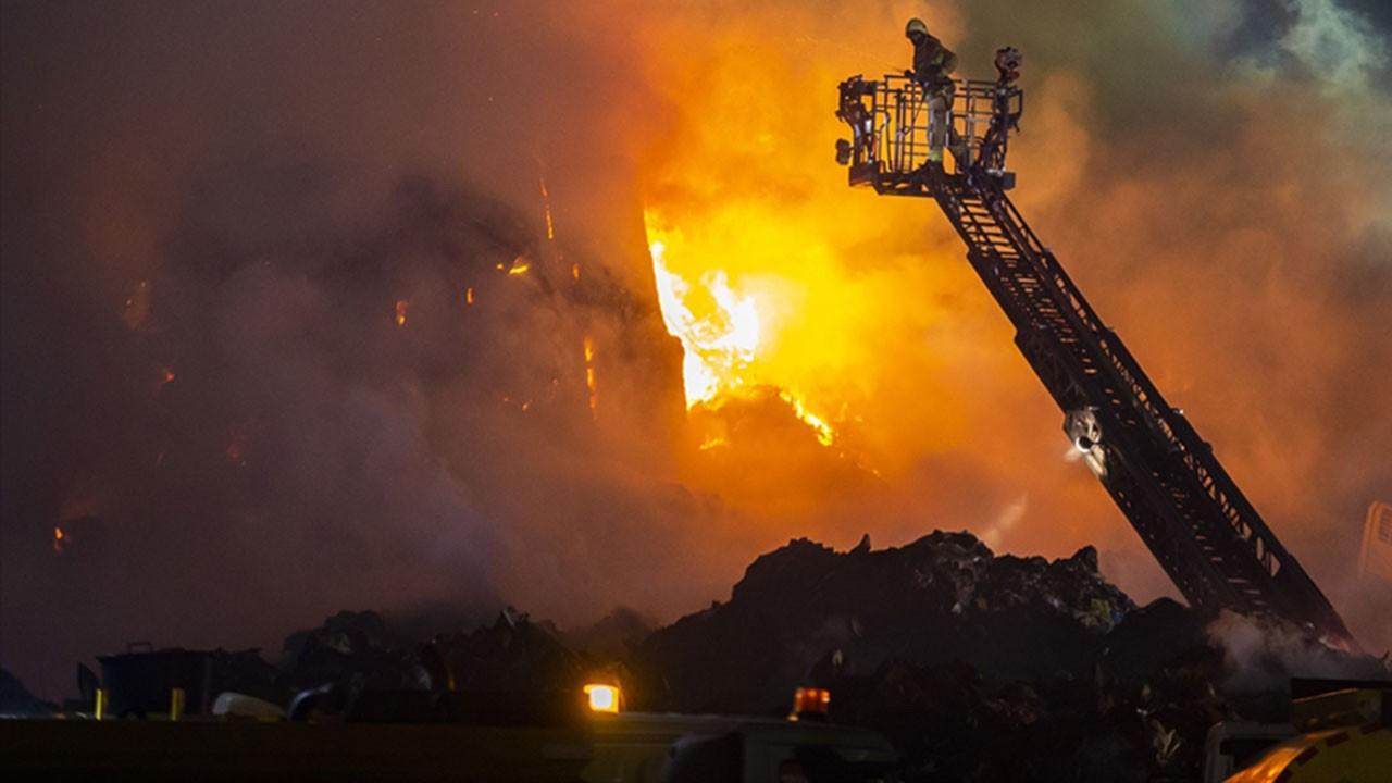 İstanbul'daki yangın gece yarısına kadar sürdü