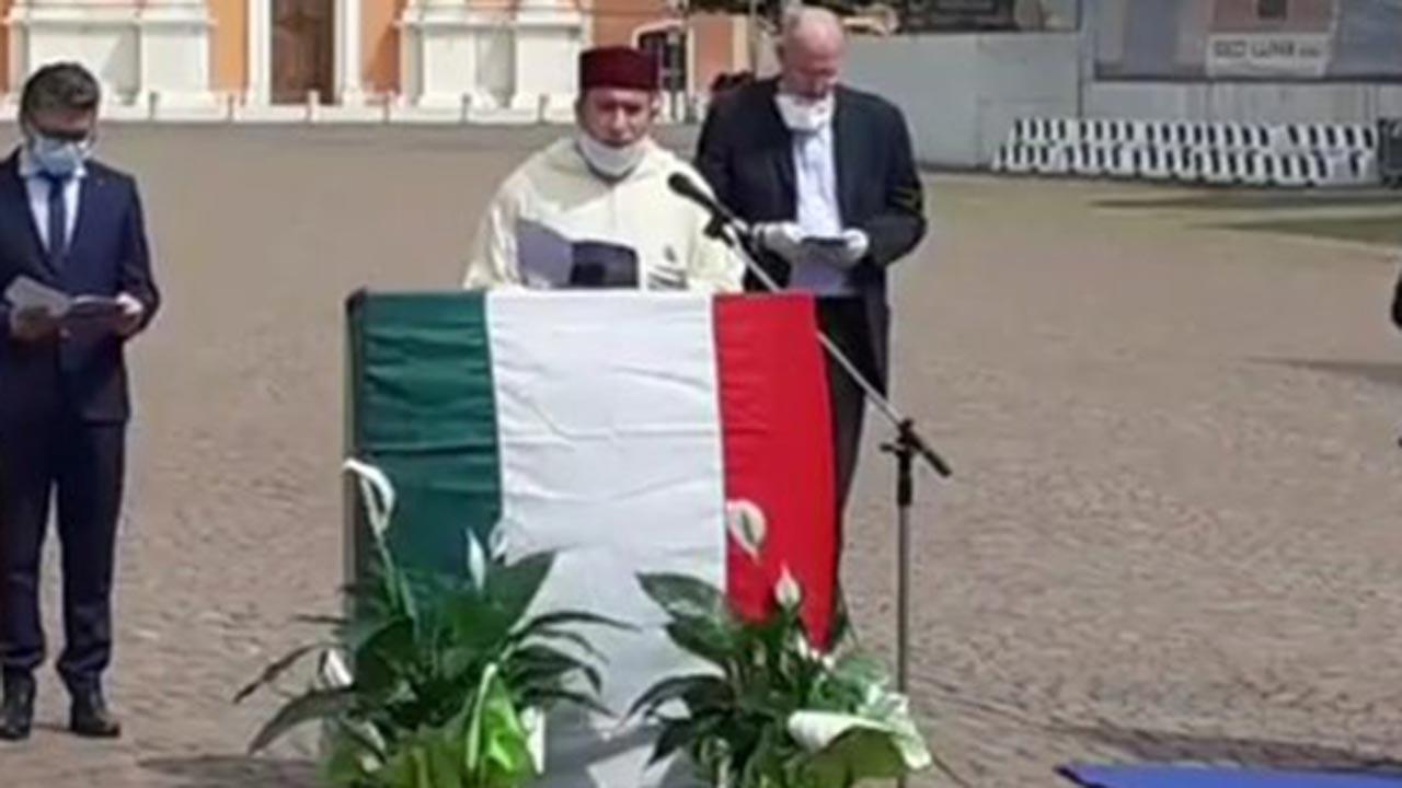 İtalyan başkan virüse karşı Kur'an okuttu