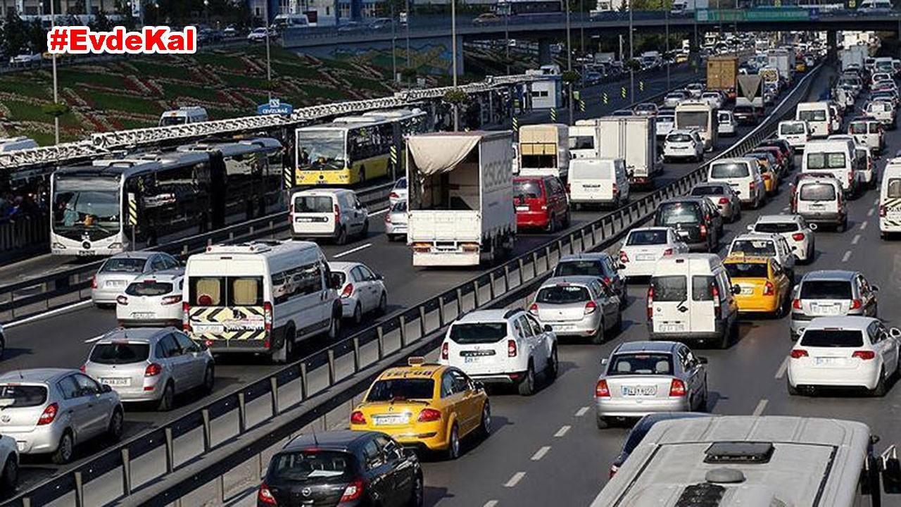 İstanbul'da kademeli mesai de trafiğe çözüm olmadı