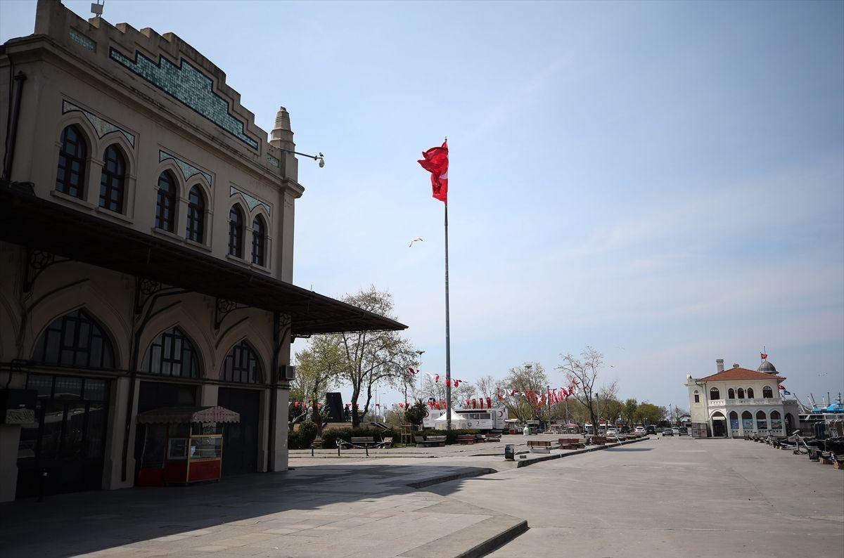 İstanbul'da meydanlar, sahiller bomboş - Sayfa 2