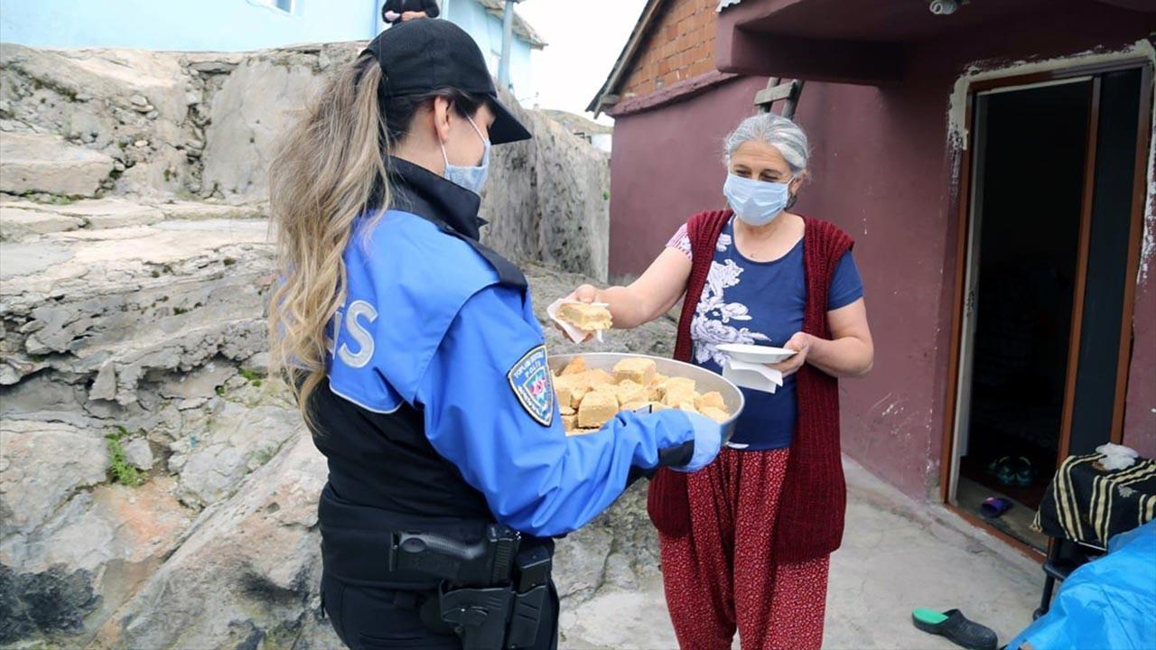 Fadime teyze yaptı polis ve bekçiler dağıttı