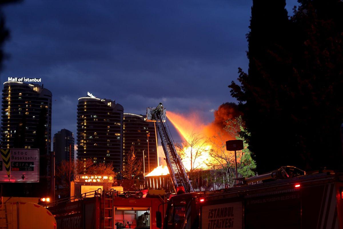 İstanbul Bağcılar'da korkutan yangın - Sayfa 2