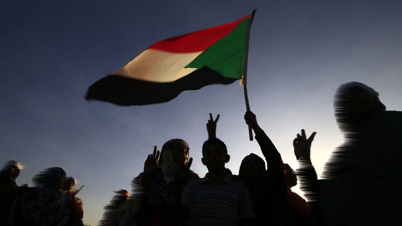 Sudan'da kadın sünneti yasaklandı