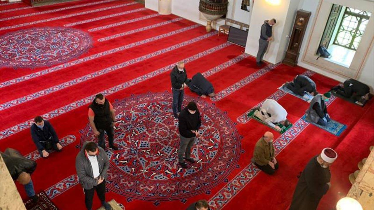 Camilerde cemaatle namaz yasağı ne zaman kalkacak?