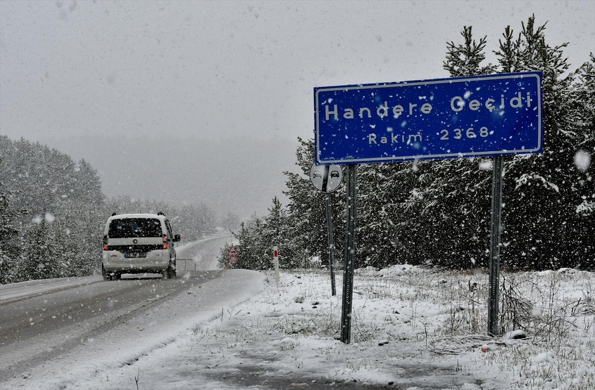 Erzurum ve Kars'a Mayısta kar yağdı - Sayfa 1