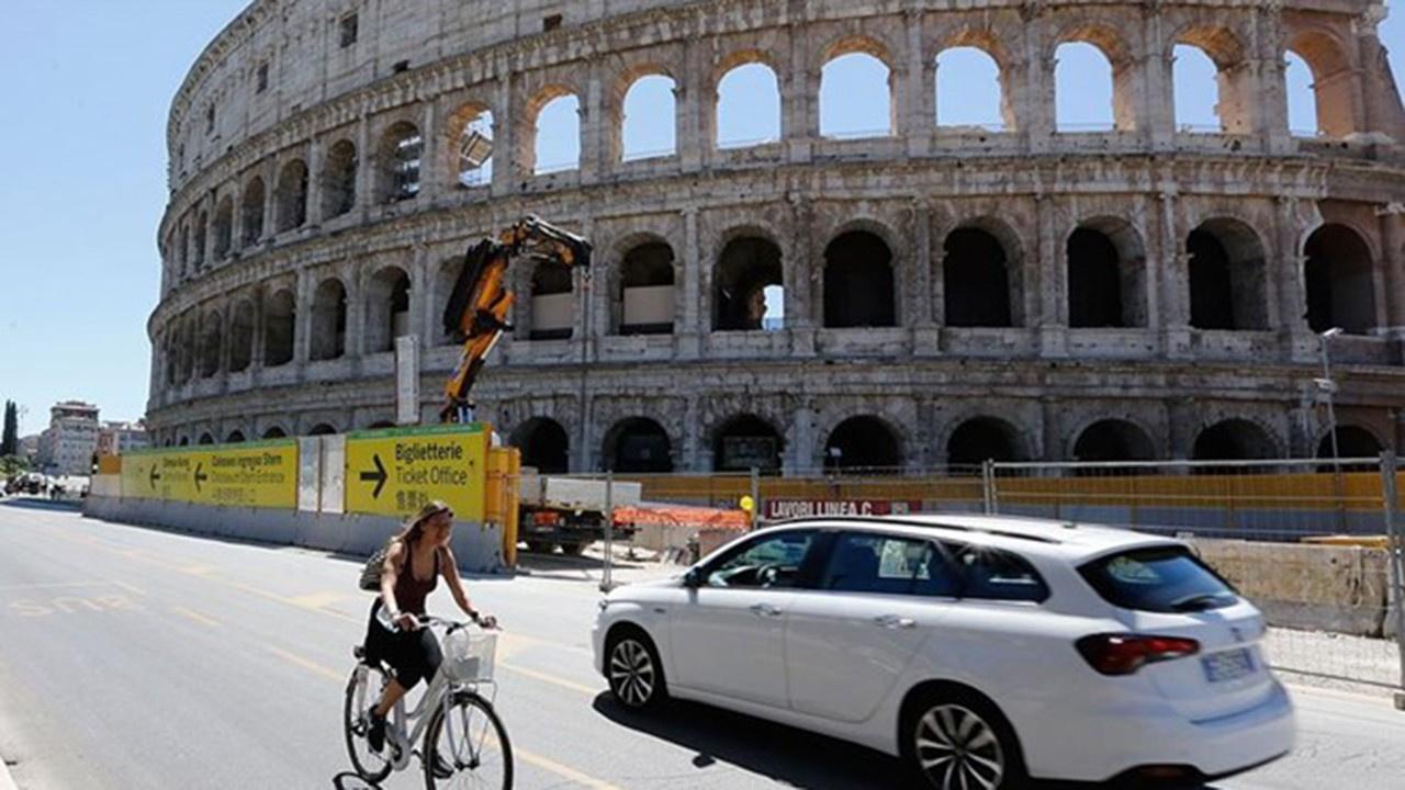 İtalya'da normal hayata geçiş:AB'ye sınır açılıyor