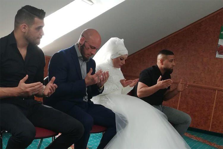 Önce kendisi sonra nişanlısı müslüman oldu - Sayfa 1