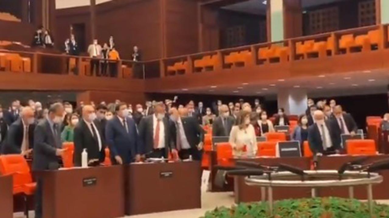 CHP ve HDP vekillerinden sloganlar