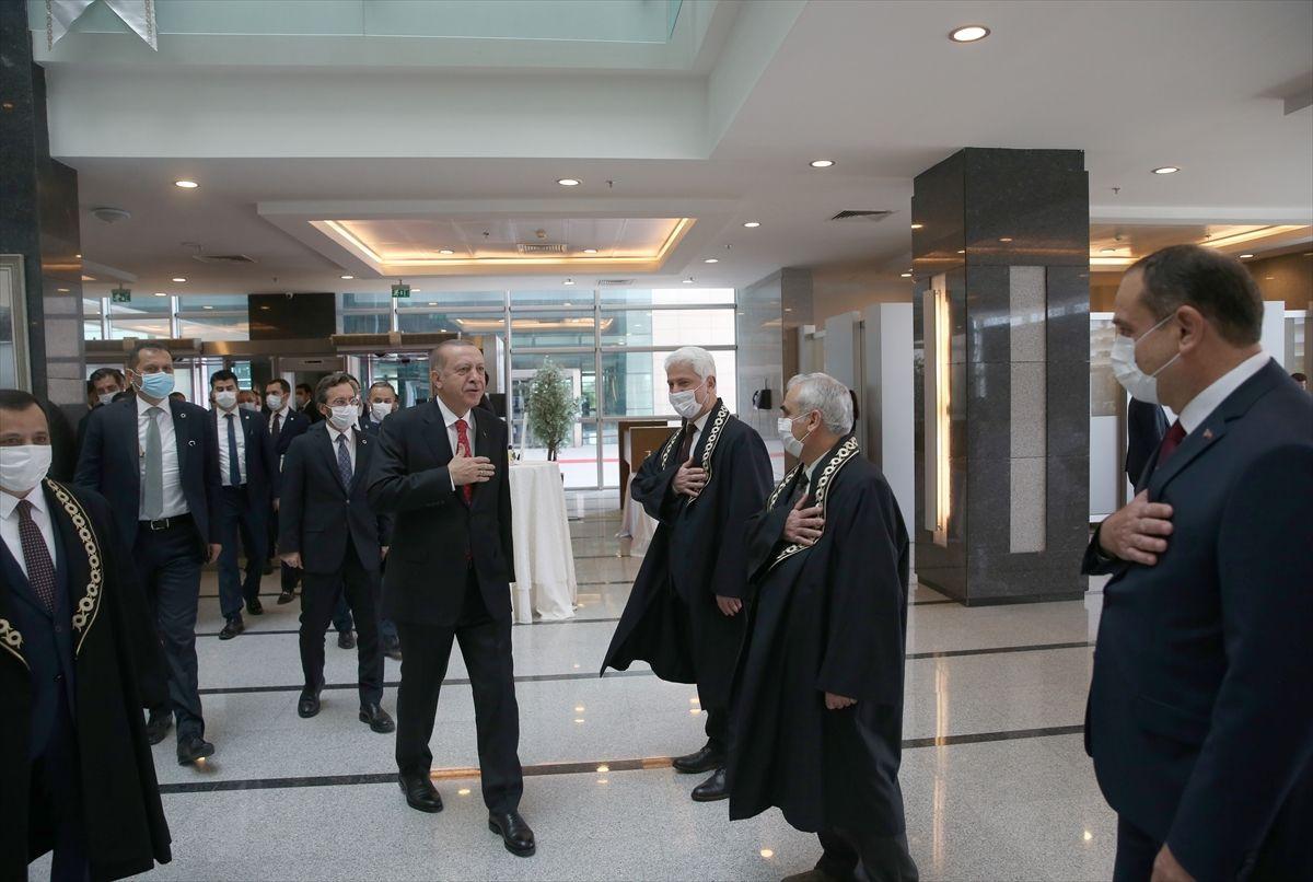 Erdoğan, yeni AYM üyesi Bağcı'nın yemin törenine katıldı - Sayfa 1