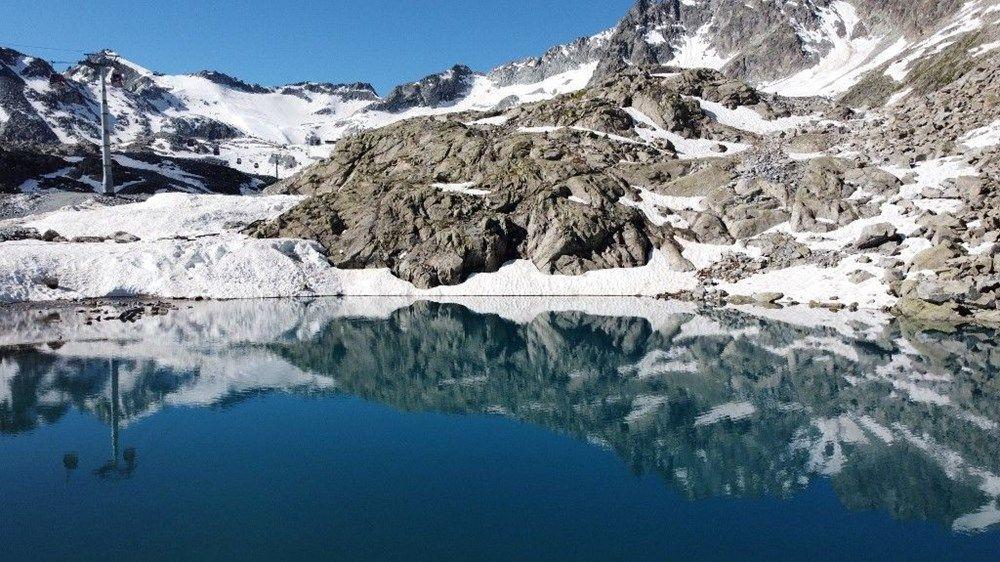 Presena Buzulu'nda kar pembeleşmeye başladı - Sayfa 3