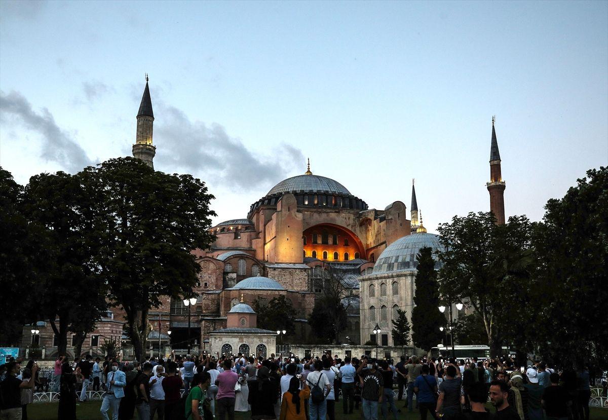 Ayasofya Camii vatandaşın ilgi odağı oldu - Sayfa 3