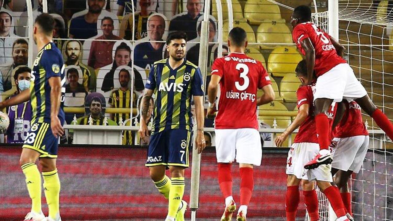 Fenerbahçe, Sivasspor'a karşı kaybetti