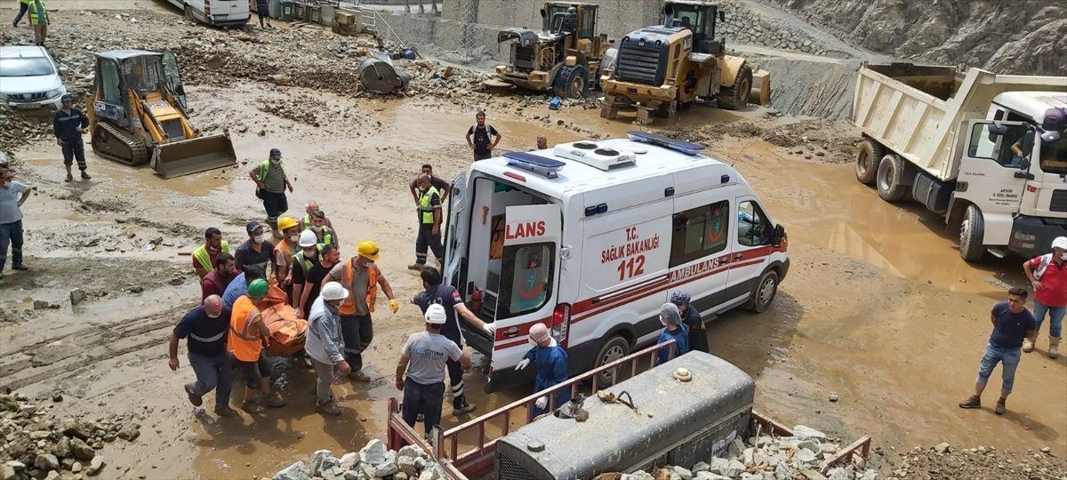 Artvin'de korkunç manzara: Kaybolan 3 kişinin daha cansız bedeni bulundu - Sayfa 3