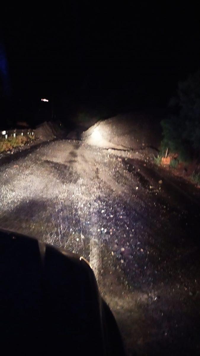 Artvin-Erzurum yolu kapandı, bir kişi öldü - Sayfa 1