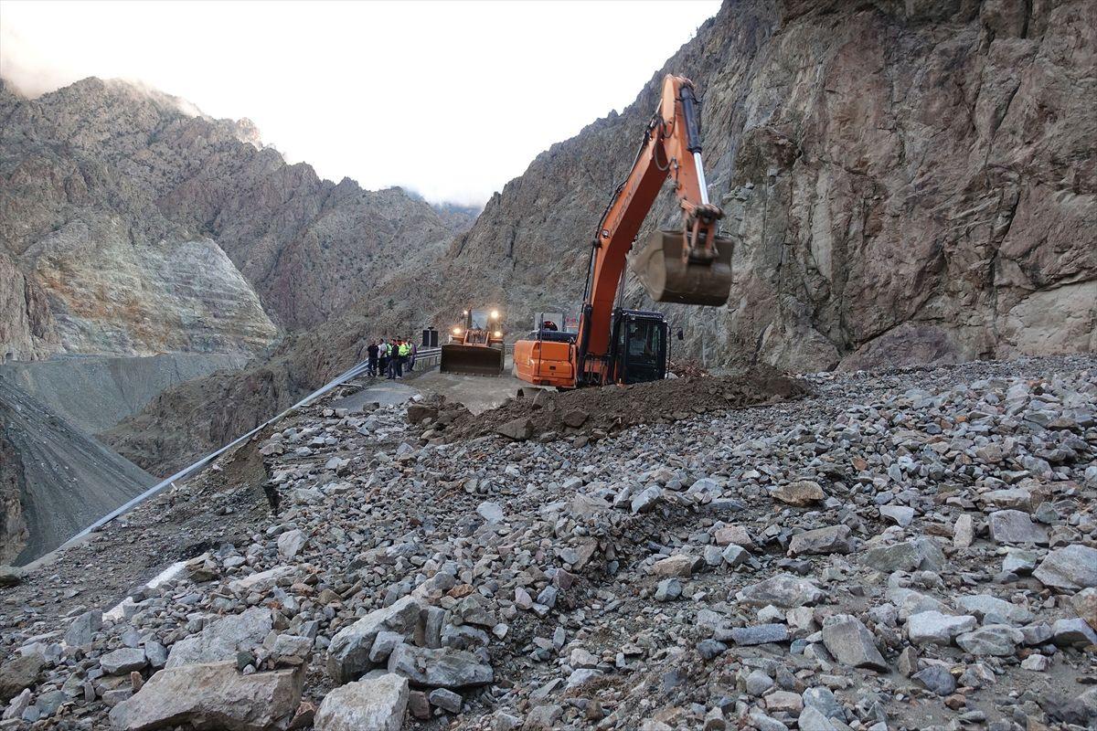 Artvin-Erzurum yolu kapandı, bir kişi öldü - Sayfa 3