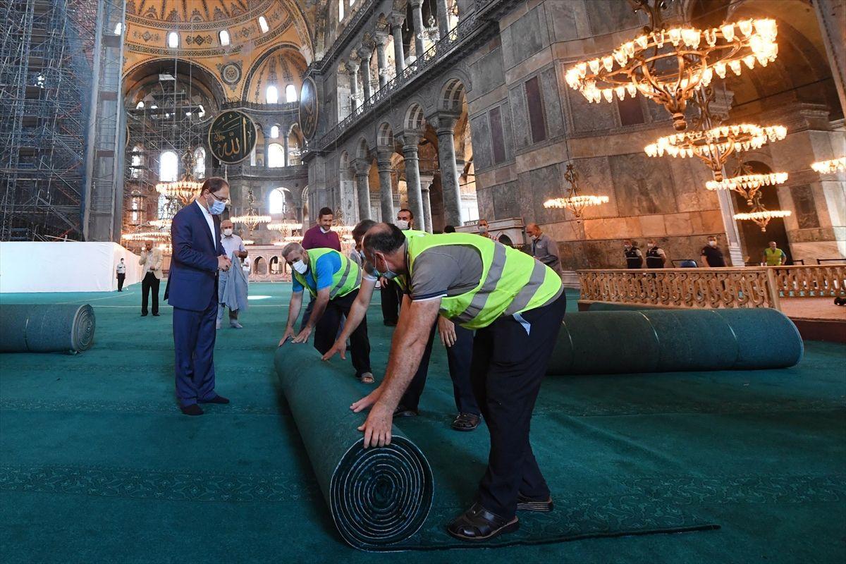 Halı serili Ayasofya Camii'nden ilk kareler - Sayfa 2
