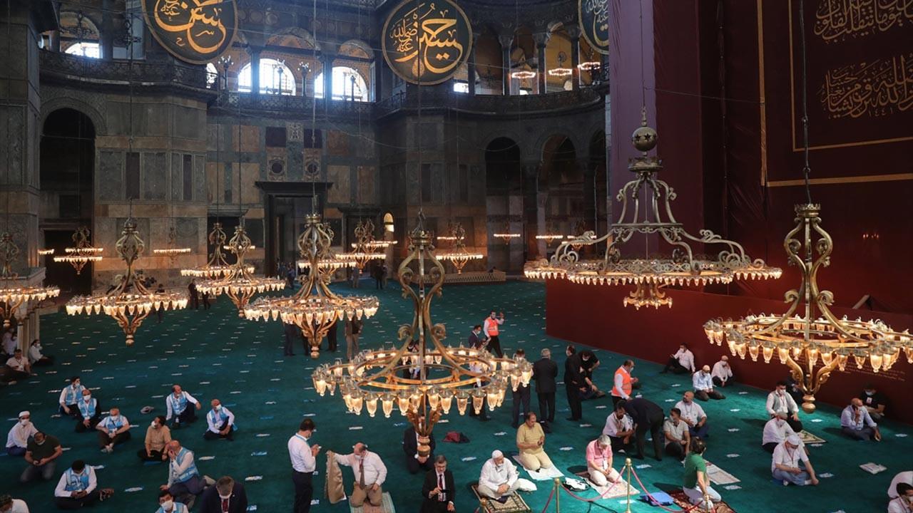 Cemaatli Ayasofya Camii'nden ilk kareler