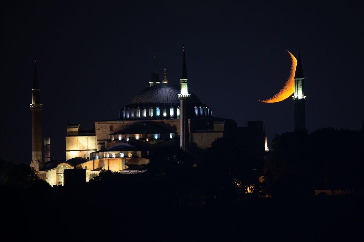 Hilal bu gece Ayasofya Camii için parladı - Sayfa 2