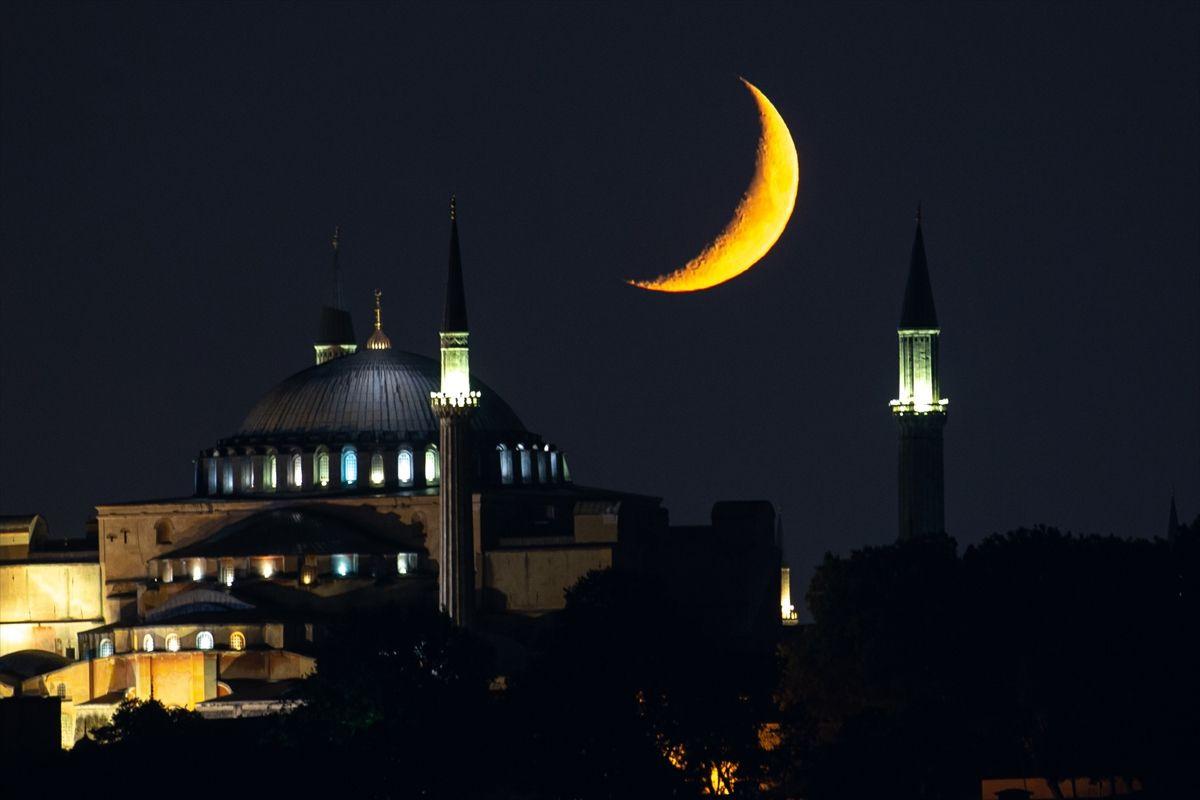 Hilal bu gece Ayasofya Camii için parladı - Sayfa 3